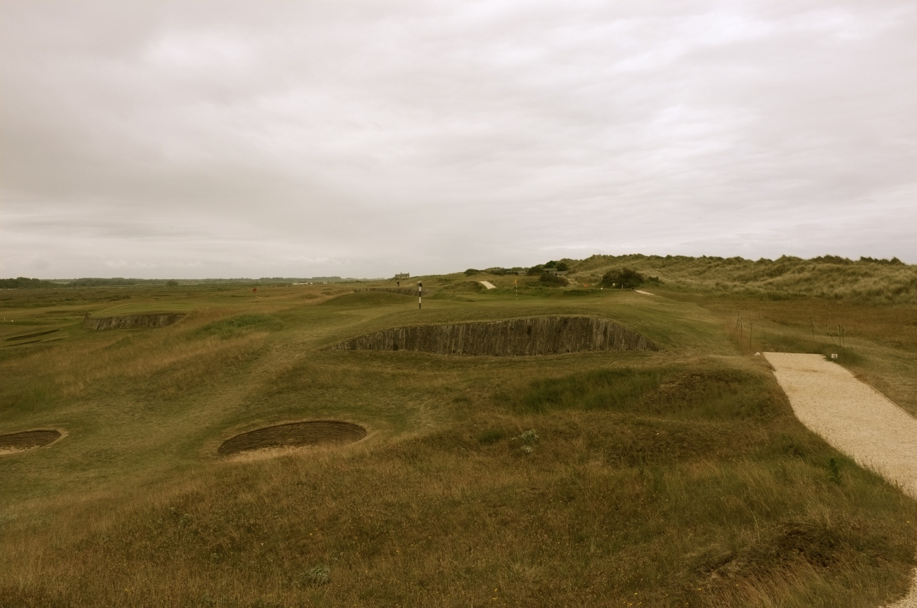 The view from the right-hand rough of the approach to the 14th green.