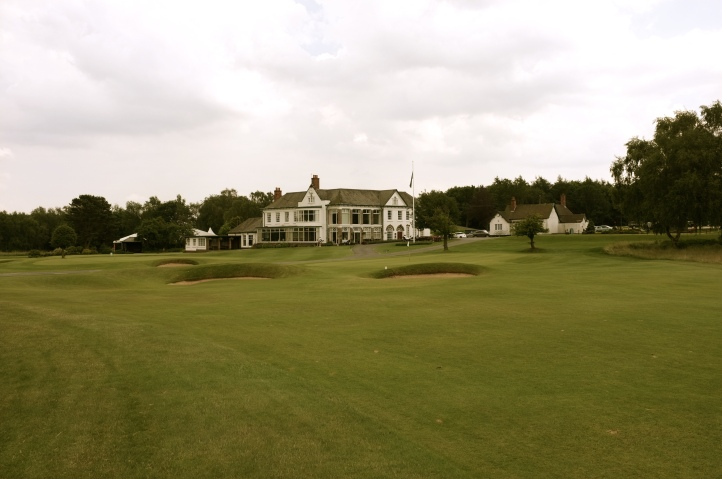 The view of the approach to the 3rd green from the left-hand side of the fairway.