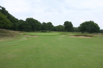 The view of the approach to the 6th green from the fairway.