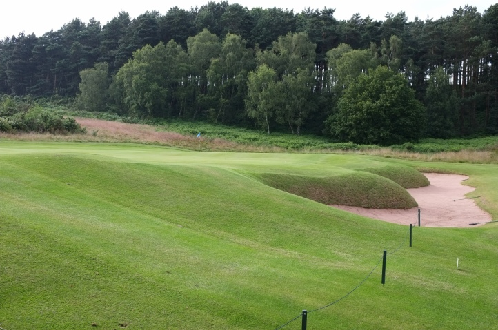 The view of the 16th green from the left-hand side.