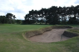 The view of the approach to the 8th green from the right-hand side of the fairway.
